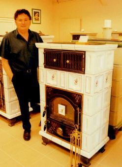 marcel lantz redonne vie aux po les en fa ence. Black Bedroom Furniture Sets. Home Design Ideas