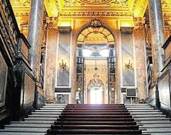 La chambre de commerce de paris pourrait r duire ses for Chambre commerce industrie paris