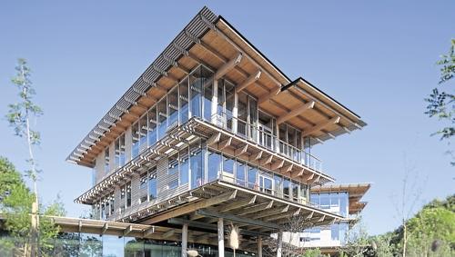 L 39 immeuble de bureau devient toujours plus responsable for Immeuble bureau architecture