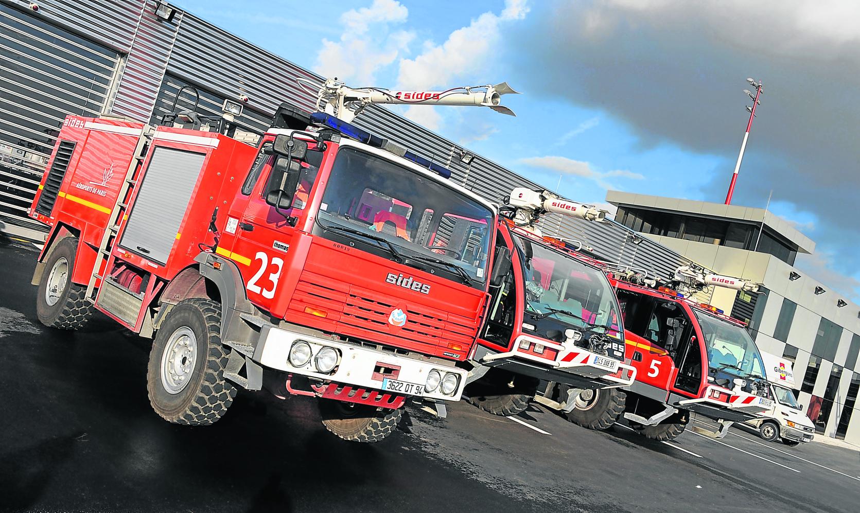 L 39 am ricain utc envisage la vente des camions de pompiers sides - Vente camion pompier ...