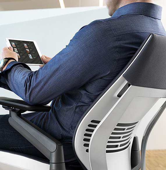 Bureau un si ge high tech pour crire ses textos a for Bureau high tech
