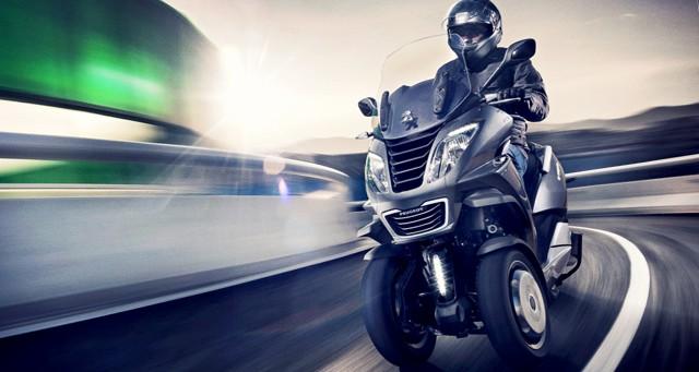 les scooters peugeot veulent se relancer avec un nouveau trois roues a. Black Bedroom Furniture Sets. Home Design Ideas